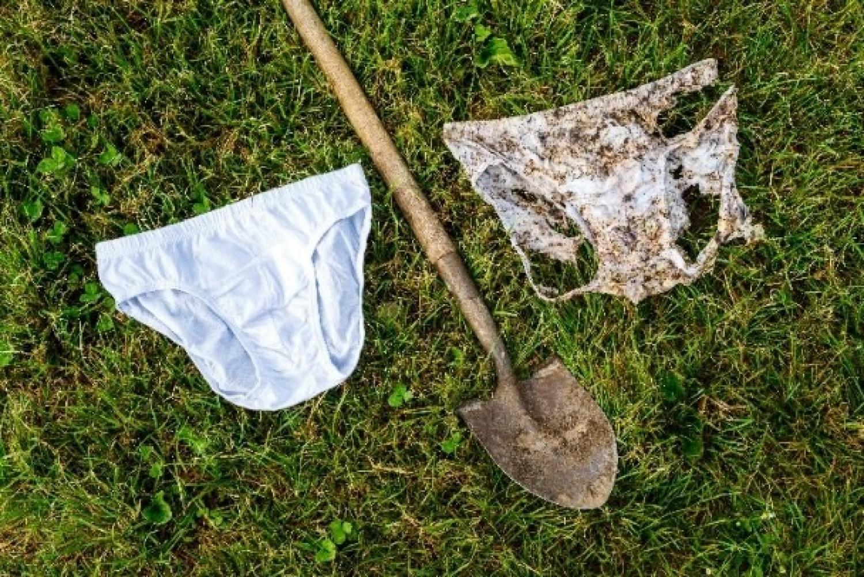 Van egy felesleges alsógatyája? Ássa el a kertben!
