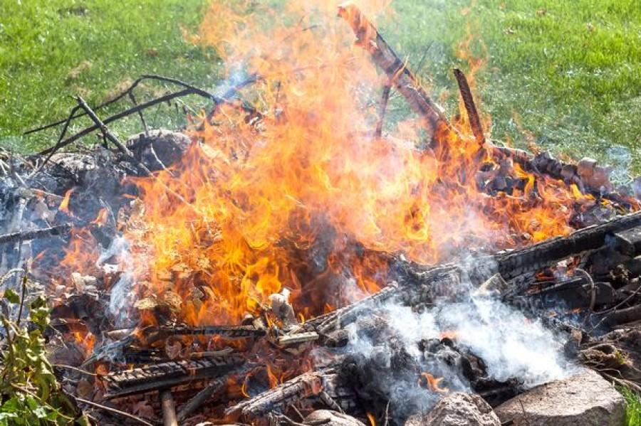 Figyelem! Az egész országban tűzgyújtási tilalom van!