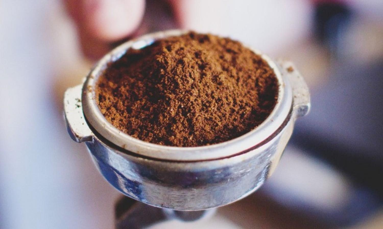 Hat ötlet a felhasználásához: Kávézacc a kertben